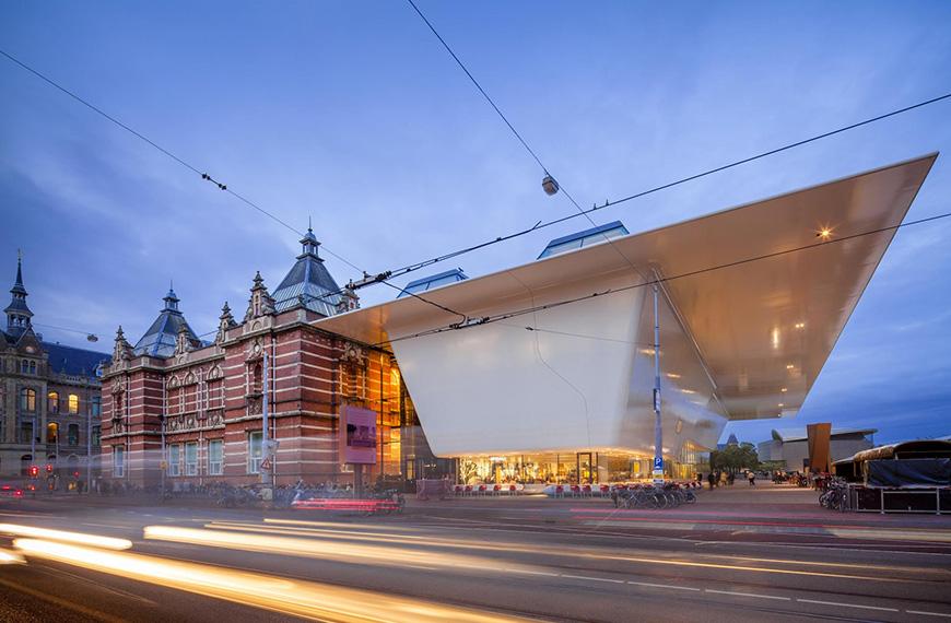 Stedelijk Base: Ontmoet de iconen van de moderne kunst