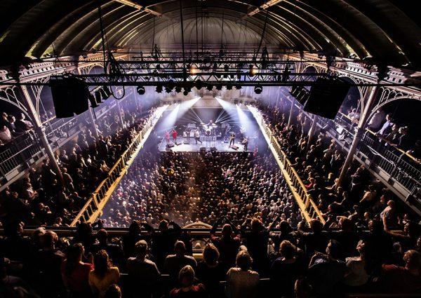 Paradiso: de poptempel van Amsterdam