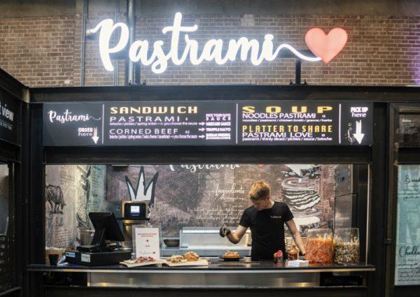 Nieuw in De Foodhallen: het perfecte broodje Pastrami