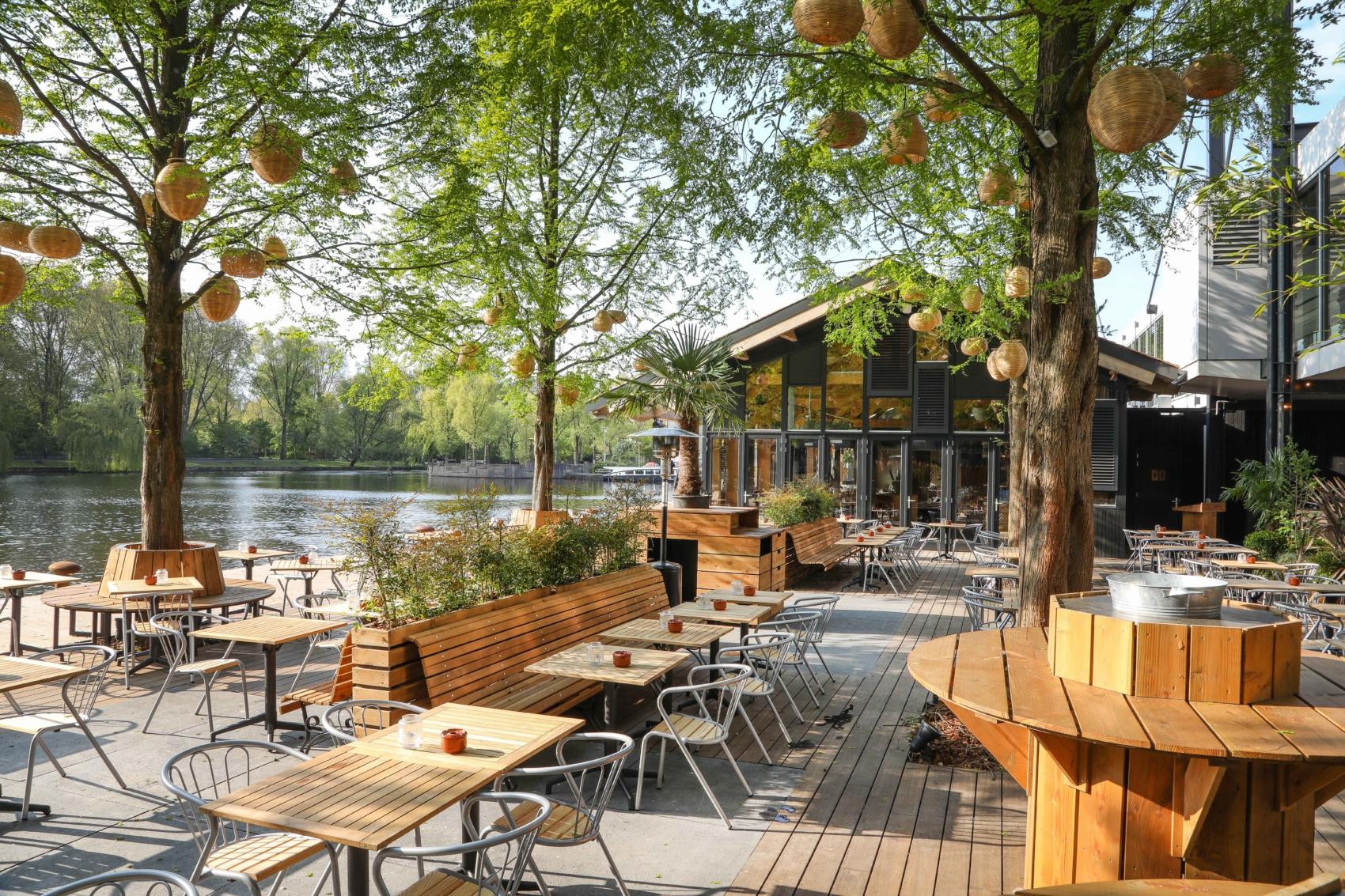 Strandzuid_restaurant_terras_groen_overdag