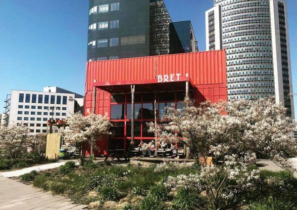 Restaurant en biertuin Bret: een concrete jungle bij Sloterdijk