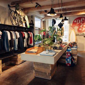 Deus Ex Machina opent flagship store en restaurant