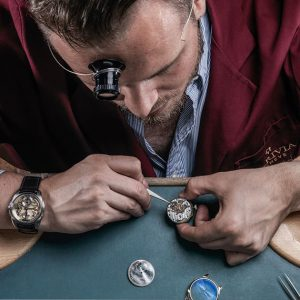Xupes opent in De Bijenkorf met vintage horloges pop-up