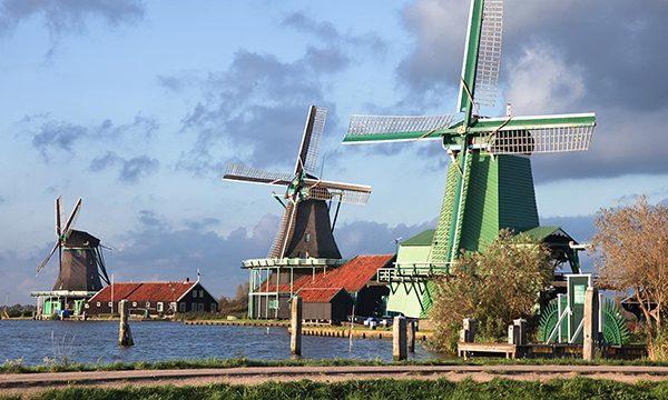 Volendam, Marken & Windmills – Dutch Countryside Tour